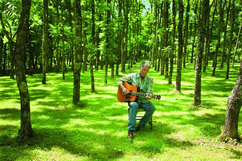JP0576_orchardguitar2